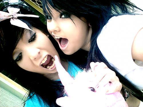 emo girls