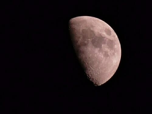 Mond_001