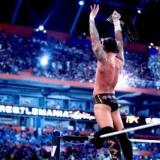 CM Punk feiert seinen Wrestlemania Sieg !