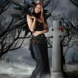 Frau auf dem Friedhof