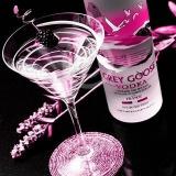 Vodka mit einem Glas